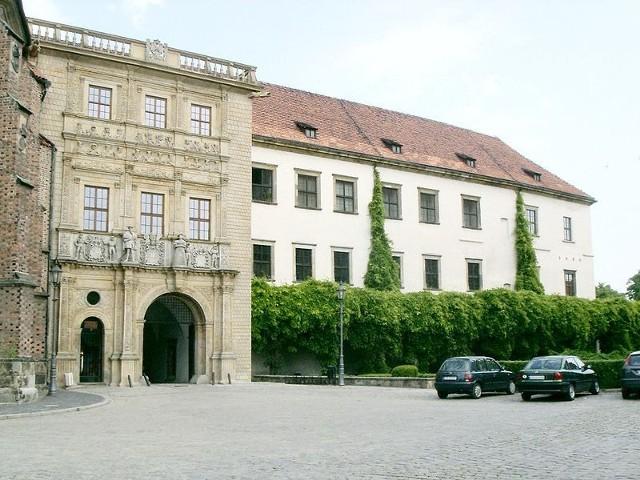 Brama wjazdowa do Zamku Piastów Śląskich
