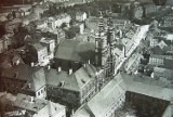 Lotnicze zdjęcia Legnicy z początku XX wieku. Rozpoznasz takie miasto? Fantastyczna galeria! [ZDJĘCIA]