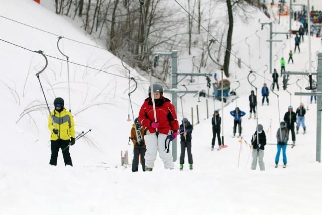 Możliwe zaostrzenie restrykcji. Wyciągi narciarskie do ponownego zamknięcia?