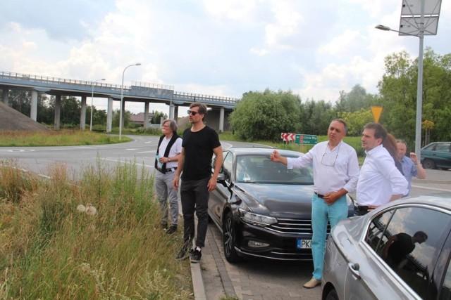 Prezydent Kalisza podczas lipcowego spotkania w terenie z planistami