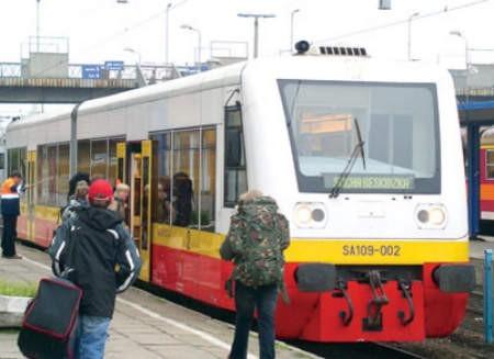 Polscy i czescy pasażerowie woleliby, żeby wyeksploatowane składy zostały zastąpione nowiutkimi szynobusami, jakie kursują na Żywiecczyźnie.