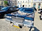 Konin. Pierwszy w tym roku zlot zabytkowych pojazdów odbył się na konińskim rynku