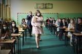 Uroczyste zakończenie roku szkolnego klas III odbyło się w I Liceum Ogólnokształcącym im. Władysława Broniewskiego w Bełchatowie