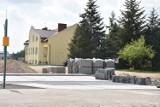 Będą miejsca parkingowe przy kościele pw. bł. Michała Kozala w Wągrowcu. Trwa budowa
