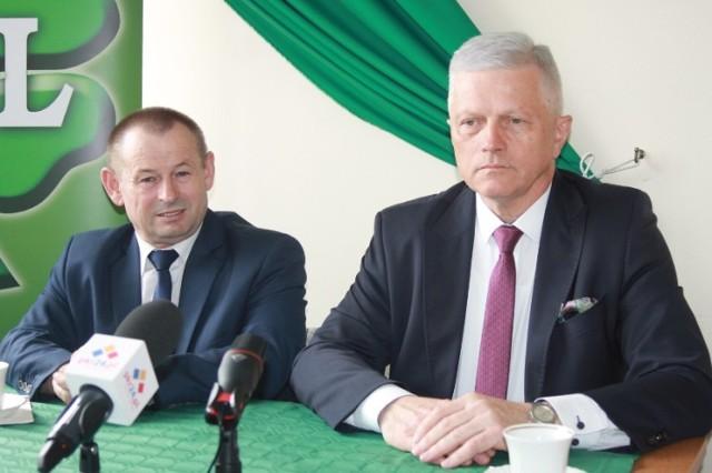 Prezes powiatowy PSL Stanisław Szczotka i prezes wojewódzki PSL Andrzej Grzyb