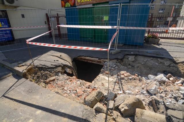 Przedwojenna piwnica pod asfaltem. Odkrycie drogowców przy Trasie Łazienkowskiej