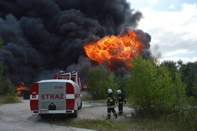 Pożar nielegalnego składowiska odpadów chemicznych w Jakubowie pod Głogowem