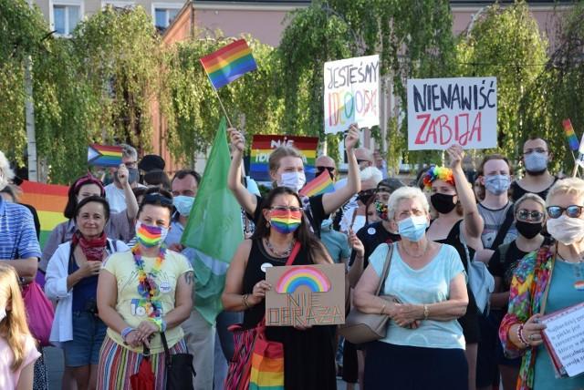 Demonstracja solidarności z Margot na Placu Biegańskiego w Częstochowie
