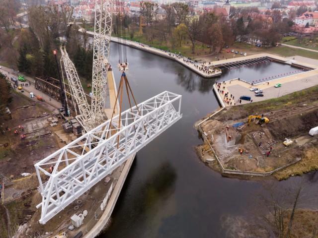 Demontaż mostu w Piszu