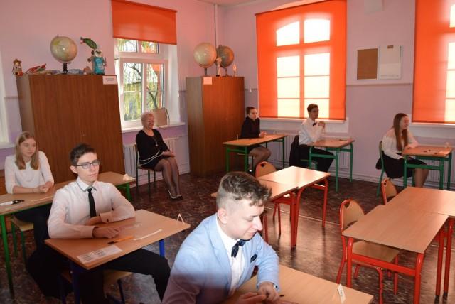 Do egzaminu ósmoklasisty z matematyki we wtorek 16 kwietnia przystąpiło 11 uczniów ze Szkoły Podstawowej w Smolicach (gmina Kobylin)