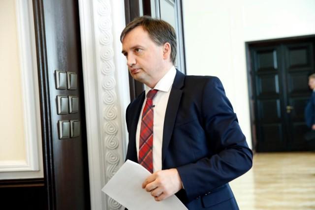 """Zbigniew Ziobro powołał zespół ws. wydarzeń w filmie Tomasza Sekielskiego """"Tylko nie mów nikomu"""""""