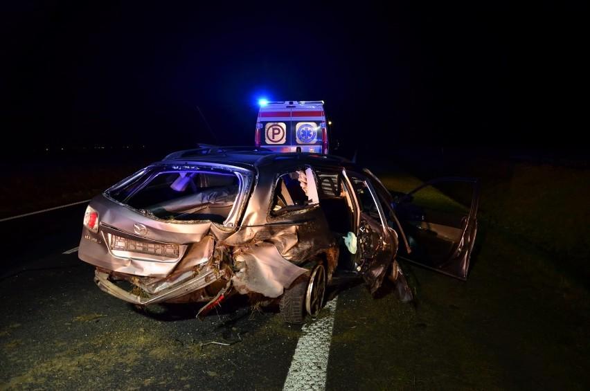 Powiat gostyński. Dwa wypadki drogowe w jednym czasie. Służby ratunkowe miały pełne ręce roboty [ZDJĘCIA]