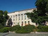 Sędzia, który po pijanemu spowodował pod sądem kolizję, wciąż orzeka! Postępowanie dyscyplinarne w jego sprawie trafiło do Warszawy