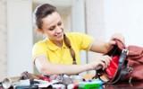 Awaryjny zestaw kosmetyczny, czyli co każda kobieta powinna mieć w swojej torebce
