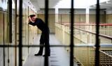 Całą noc torturowali go w celi aresztu przy Świebodzkiej we Wrocławiu. Myśleli, że to pedofil [TYLKO DLA DOROSŁYCH]