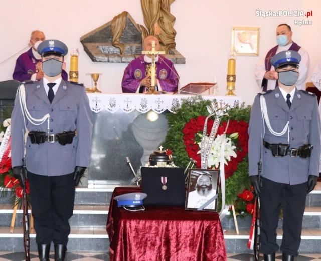 Ostatnie pożegnanie nadkomisarza Marcina Pitasa   Zobacz kolejne zdjęcia/plansze. Przesuwaj zdjęcia w prawo - naciśnij strzałkę lub przycisk NASTĘPNE