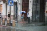 Pogoda na lato. Nadchodzi burzowy armagedon. Planujesz wyjazd? Sprawdź, gdzie będzie padać i grzmieć!