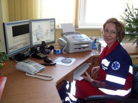 Od 20 listopada w CPR oprócz dyżurnego KP PSP jest także dyżurna medyczna. Na zdjęciu Beata Litke.