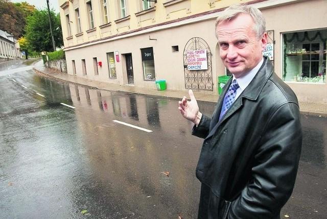 Ludzie nie wiedzą, czyje są drogi, ale nie chą dziur - mówi Leszek Orpel, burmistrz Jedliny