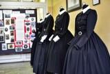 Uczennice Zespołu Szkół Odzieżowych uszyły suknie, jakie nosiły polskie patriotki w XIX wieku [ZDJĘCIA]