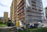 Zabrze. Trwa remont bloku, w którym doszło do wybuchu gazu. Większość lokatorów wróciła do własnych mieszkań