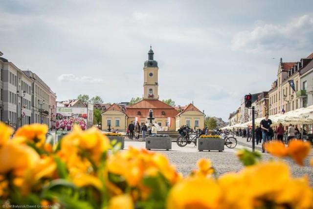 W 2018 roku Białystok zasłynął jako miejsce o najczystszym powietrzu, pełnym zieleni, które dodatkowo jest przyjazne rowerzystom. A jakie rankingi nasze miasto wygrało w tym roku? W czym jesteśmy najlepsi? Kliknij w galerię zdjęć, by sprawdzić rankingi, w których Białystok nie ma sobie równych!