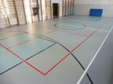 Szkoła Podstawowa w Sulmierzycach zyskała nową podłogę sportową [ZDJĘCIA]