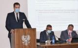 Rada Powiatu Oświęcimskiego wybrała Andrzeja Skrzypińskiego na nowego starostę. Zastąpi zmarłego niedawno Marcina Niedzielę [ZDJĘCIA]