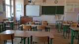 """Coraz więcej uczniów na """"zdalnym"""". W Rybniku to czternaście klas. Jak inne miasta?"""