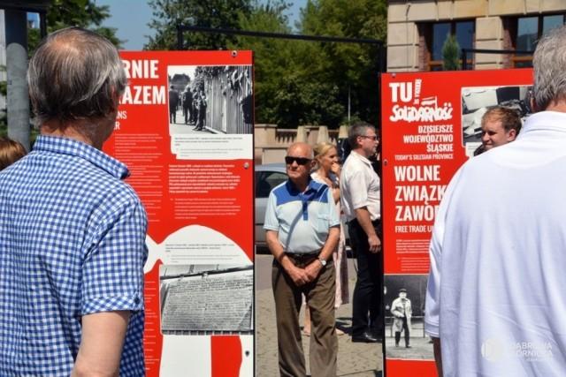 Wystawę można oglądać na placu Wolności przed Pałacem Kultury Zagłębia w Dąbrowie Górniczej Zobacz kolejne zdjęcia/plansze. Przesuwaj zdjęcia w prawo - naciśnij strzałkę lub przycisk NASTĘPNE