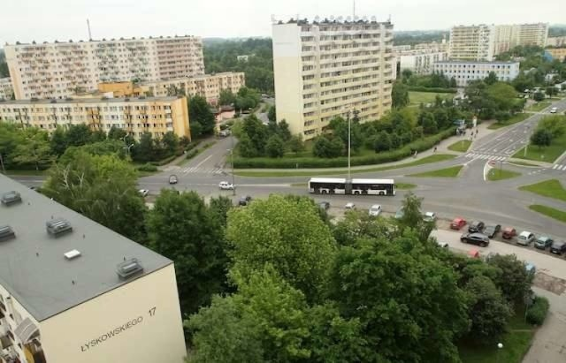 W bloku, wieżowcu, z balkonem albo z loggią - między innymi takie mieszkania można kupić na dwóch toruńskich wielkich osiedlach - Rubinkowie i Skarpie. Zobacz 10 atrakcyjnych ofert.  >>>>>