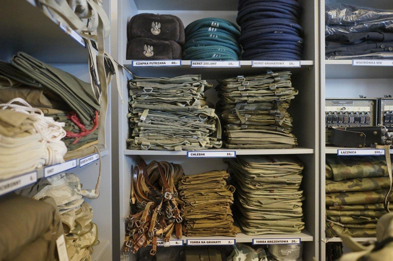 0e77902ab0846 W ubiegłym roku Agencja Mienia Wojskowego otworzyła sklep internetowy.  Można w nim kupić wojskową odzież