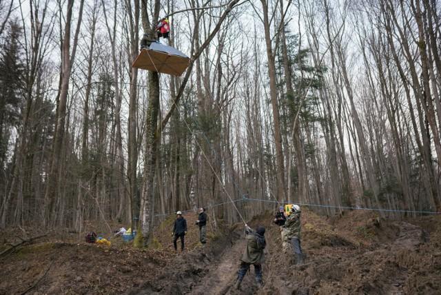 W niedzielę rozpoczęła się okupacja lasów w okolicach Przemyśla, przy drodze prowadzącej do Arłamowa i w Bieszczady.
