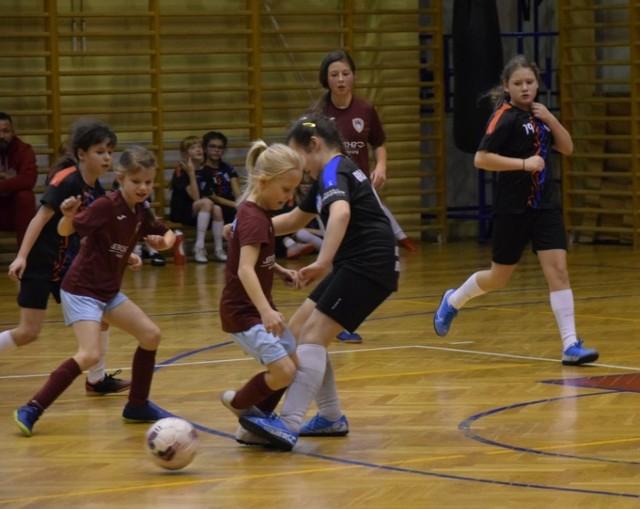 W pierwszej części turnieju zagrały dziewczęta z roczników 2007 i młodszych