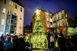 W kilku dzielnicach Gdańska staną choinki. Pierwsza rozbłyśnie w czwartek 03.12.2020. Sprawdź, gdzie pojawią się bożonarodzeniowe drzewka