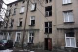 Nocny pożar w mieszkaniu na Częstochowskiej w Łodzi. Są ranni i spore straty!