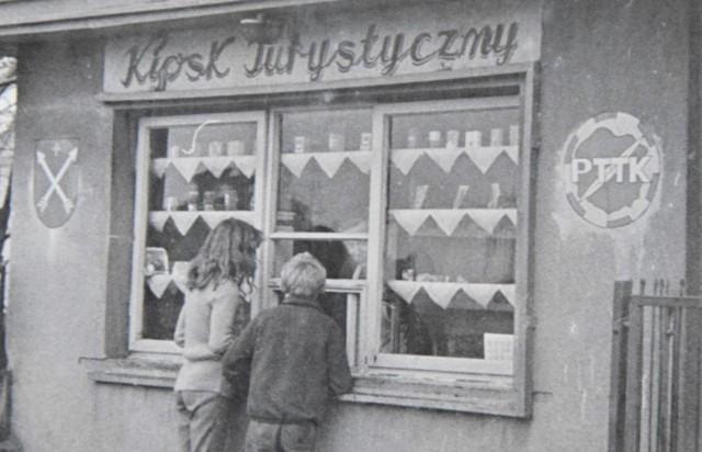 W kronikach PTTK Strzelno obejrzeć można wiele czarno-białych zdjęć dokumentujących działalność turystycznego towarzystwa
