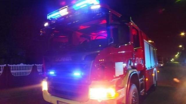 Pożar domu w Istebnej. Z płonącego budynku uciekło 19 osób