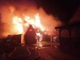 Groźny pożar w miejscowości Sucha koło Grzmiącej [zdjęcia]