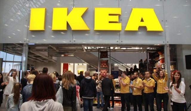 Jak powiedziała w rozmowie z serwisem money.pl Katarzyna Dulko-Gaszyna, dyrektor ds. zrównoważonego rozwoju Ikea Retail Polska. sieć rezygnuje z produktów jednorazowego użytku. Ze sklepów sieci Ikea na całym świecie, również w Polsce mają zniknąć do końca 2019 roku.