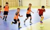 Futsal. W sparingowym meczu spotkali się żacy młodsi Soccer Stars Piła i Startu Jastrowie. Obejrzyjcie zdjęcia