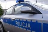 Nietrzeźwy i agresywny kierował samochodem mimo zakazu. Rzucił się na policjantów na Zapiecku w Tomaszowie