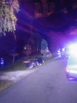 Wypadek Michałkowie. Audi wjechało w skuter. Dwie osoby ciężko ranne