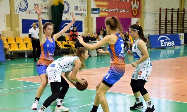 Debiutujące w seniorskich rozgrywkach ligowych koszykarki Enea Basketu Piła spisują się nieźle