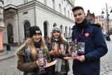 27. Finał Wielkiej Orkiestry Świątecznej Pomocy w Legnicy, wolontariusze już kwestują [ZDJĘCIA]