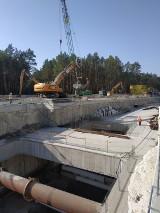 Budowa tunelu w Świnoujściu - przygotowują plac do rozładunku maszyny drążącej [ZDJĘCIA]