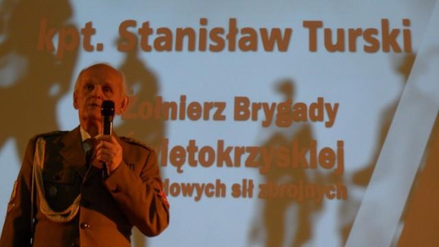 Kpt. Stanisław Turski podczas 5. obchodów Narodowego Dnia Żołnierzy Wyklętych w Zespole Szkół nr 1 w Tychach