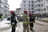 Wozy strażackie przed blokiem na ulicy Zagnańskiej w Kielcach. Co się stało?