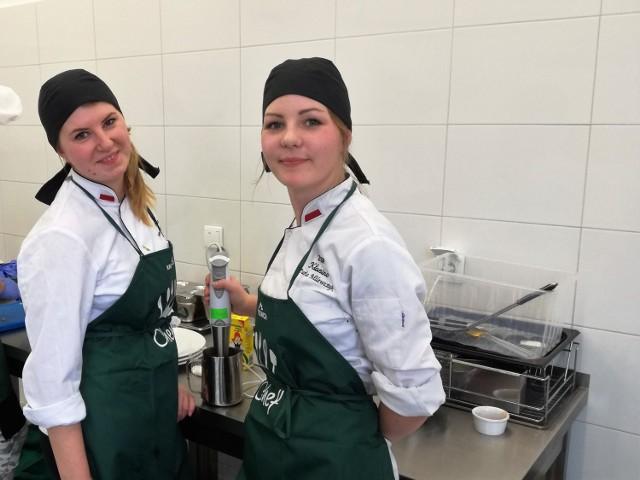Weronika Byczkowska i Daria Milewczyk z ZSP Kłanino