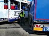 Wypadek na Rondzie Mazowieckiego w Gdańsku. Tramwaj zderzył się z samochodem ciężarowym. Jedna osoba ranna